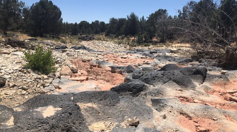 """SLT article: """"Proponents back away from divisive plan to mine sand for fracking near Kanab"""""""