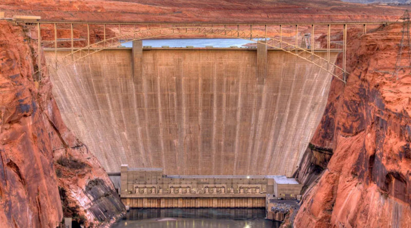 """Lake Powell Pipeline a """"monkey wrench"""" in the future of Colorado River management"""