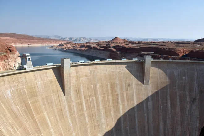 (The Spectrum) After Six States Threaten to Sue Over Lake Powell Pipeline, Utah Asks to Slow the Project